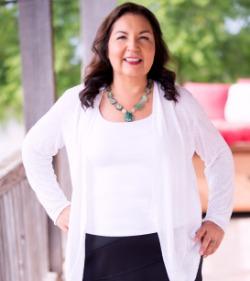 Dr. Anita  Sanchez